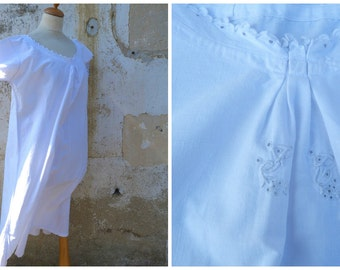 Vintage French Edwardian 1900 white cotton dress underdress with embroiderys around the neckline & armholes size S/M/L