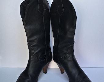 Vintage 70s Black leather Cowboy Boots  SIZE 8 - 8.5 US