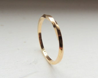 Gold Twist Band Ring - 14K gold jewelry, minimalist gold jewelry, stackable ring