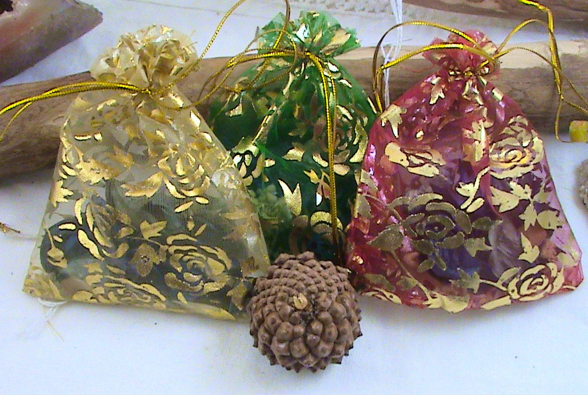 3 herb sachets mojo bags charm bags wiccan altar kits