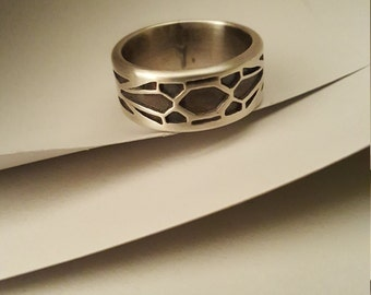 Honeycomb Ring. Silver band ring. Made by hand for men or women.