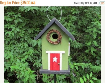 SUMMER SALE Grapevine Wreath Primitive Birdhouse Green Red Fully Functional
