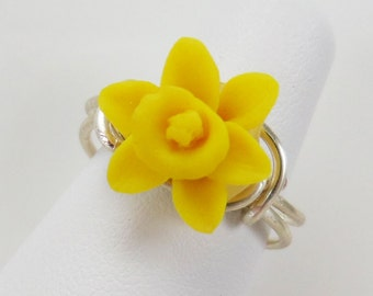 Petite Daffodil Ring - Small Flower Ring, Yellow Flower Ring, Narciscus Ring, Small Wire Wrapped Ring, Small Floral Ring, Daffodil Jewelry