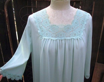 Vintage Lorraine Nightgown 70s blue Vintage nightgown  70s Lace Nylon nightgown M