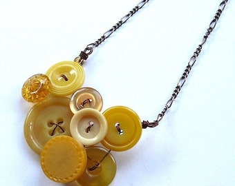 Winter sale Small Honey Gold and Mustard Yellow Vintage Button Necklace