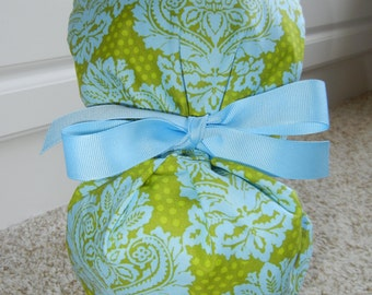 Turn Up Ponytail Scrub Hat with Blue Lime Damask