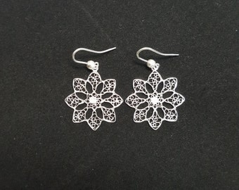 Snowflake - Silver Filigree Earrings