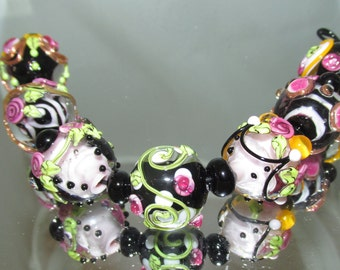 MTO... Black & Pink Floral Round beads