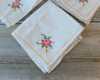 Lovely Rose Napkins, Vintage Napkins, Bridal Shower Napkins, Baby Shower, Afternoon Tea & Brunch, vintage shabby chic