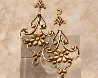 Floral Connector, Antique Gold, Trinity Brass, 4 Pc. AG302