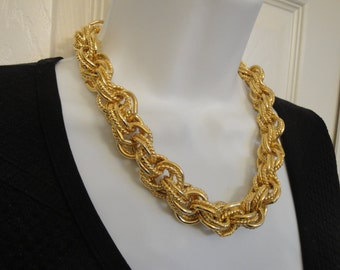 Vintage heavy gold tone metal link necklace and bracelet set, Shiny round links, Easy to use hook style clasp Excellent Condition