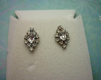 Vintage Crystal Earrings - Clear