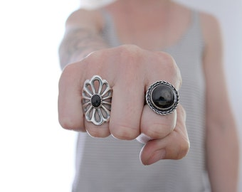 Vintage collection. Sterling silver Sand cast ring with Onyx. Sand cast, flower ring, natural Onyx, boho ring, onyx ring, black gemstone.