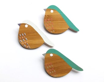 Bird brooch wood wooden bamboo painted grey scandi mint pink