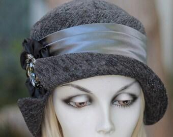 Womens 1920 Cloche Hats Trendy Downton Abbey in Charcoal Grey