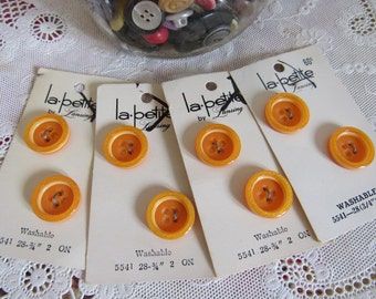 "8 Vintage 1960s ORANGE SHERBERT Sewing Buttons on Card La Petite 3/4"" 2-Hole Crafts Clothing"