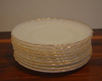 "Set (9) Vintage Anchor Hocking Fire King Milk Glass Gold Trimmed 7"" Plates"