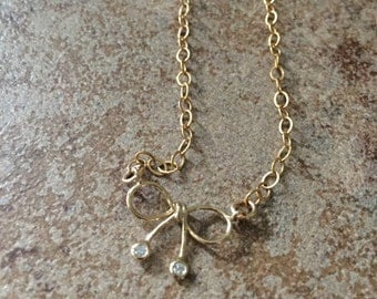 Dainty Gold Bow Necklace