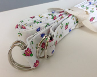 PILATES YOGA MAT Sling Strap, White with Pink Blue Green Flowers, Unique Pilates and Yoga Mat Carrier, Yoga Mat Tote, Fabric Yoga Mat Sling