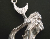 Vintage Antiqued Silver MERMAID Pewter Charm Necklace