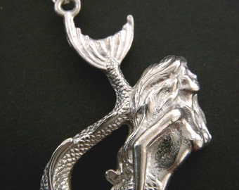 Vintage Antiqued Silver MERMAID Pewter Charm Necklace
