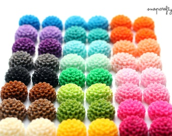 50pc mini chrysanthemum resin flower cabochons / 27 color options / 15mm small resin flat back flower cab / kawaii kandi embellishment