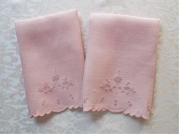 Vintage Pink Towels Linen Guest Hand Fingertip Towels