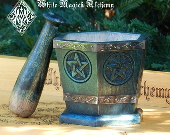 Pentacle Mortar & Pestle Set in Wooden Sage Green