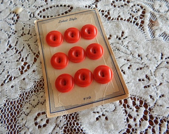 """1930's 9 Red Plastic Buttons on Original Card -"""" Latest Style"""""""