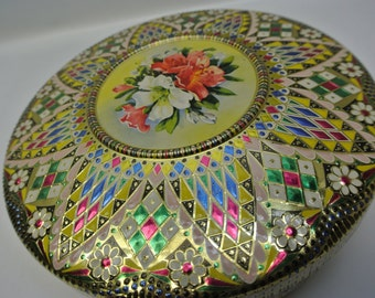 Stunning round storage tin - lots of texture and color