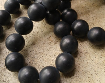 14 Smooth Round Black Agate 14mm Beads