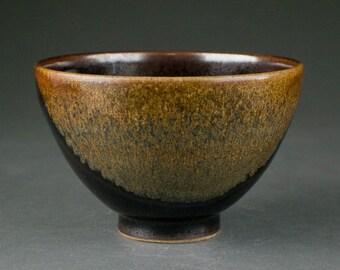 Stoneware Japanese Tea Ceremony Bowl (Matcha Chawan)