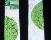 Reversible Modern Clergy Stole - Green | Used for Ordinary Times, White Wedding, Baptism