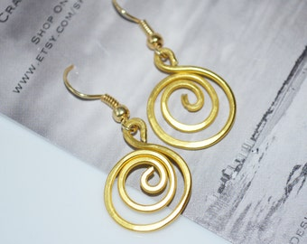Hammered Gold Wire Swirl Earrings-Birthday gift-Wire earrings-Light weight