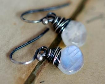 Moonstone Earrings, Drop Earrings, Gemstone Earrings, Moonstone Jewelry, Rainbow Moonstone, Dangle Earrings, Gemstone Jewelry, PoleStar