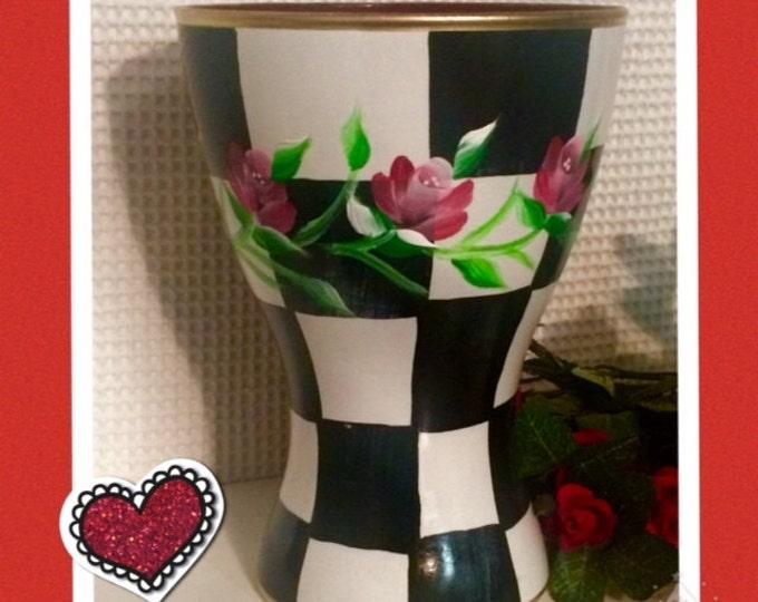 Painted glass vase // Valentine vase // painted rose vase