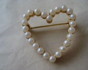Heart Pearl Brooch Gold Vintage Pin