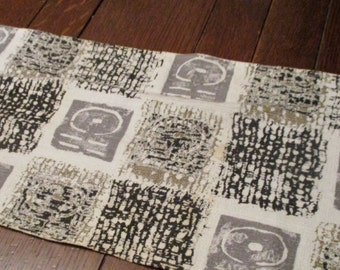 "46"" x 10.5"" Vintage Geometric Bark Cloth, Barkcloth, Gray, White, Black, Gold Embellishment,1 Light Stain"