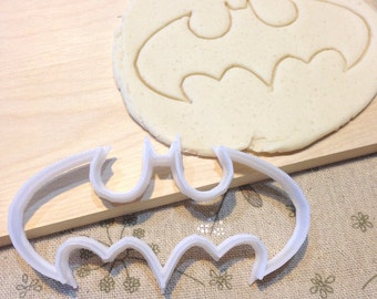 Batman Cookie Cutter - Fondant Icing Cake Cupcake Topper Iced Sugar Cookies Biscuits Mould Superhero Comic Con Boys Birthday Party Heros