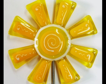 Glassworks Northwest - Brilliant Yellow and Yellow Flower Stake - Fused Glass Garden Art