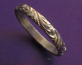 Sterling Silver Etched Renaissance Scroll Pattern Ring