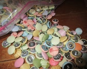 1000 big lot of vintage buttons metal shank 3/4'' Multi colored wonderful    embroidered and plain fabric covered buttons lot