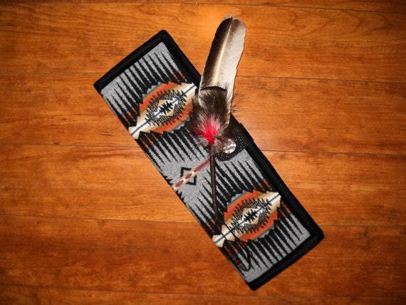 Feather Holder Wool Black / Grey Sunset Ridge