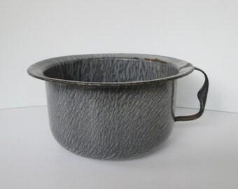 Enamelware Gray Graniteware Chamber Pot
