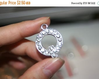 ON SALE NEW - High Quality Rhodium Plated Crystal Pave Letter Q Pendant - 1 pc