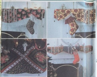 Mantel Scarves, Tree Skirts, Stockings Sewing Pattern Simplicity Christmas Club 5810 Christmas Holiday Decor, UNCUT Craft Pattern