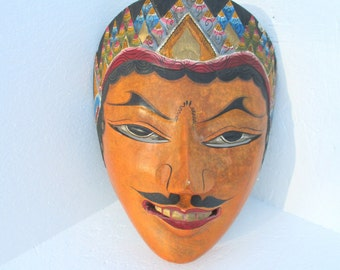 Vintage Indonesian Javanese Dalem Carved Wood Face Mask Hand Painted Wall Hanging