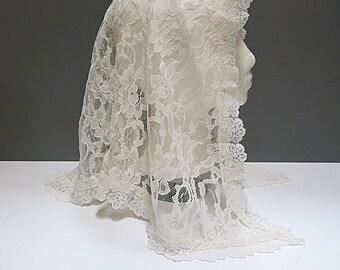 Lace Mantilla Creamy White Head Covering Vintage 1950s 60s