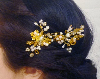 bridal hair brooch, Wedding hair comb, bridal hair accessories, gold headpieces, wedding hair jewelry, gold hair comb, flower hair comb