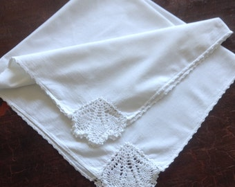 Vintage White Muslin Cotton Tablecloth, Inset Lace Crochet, Pineapple Pattern